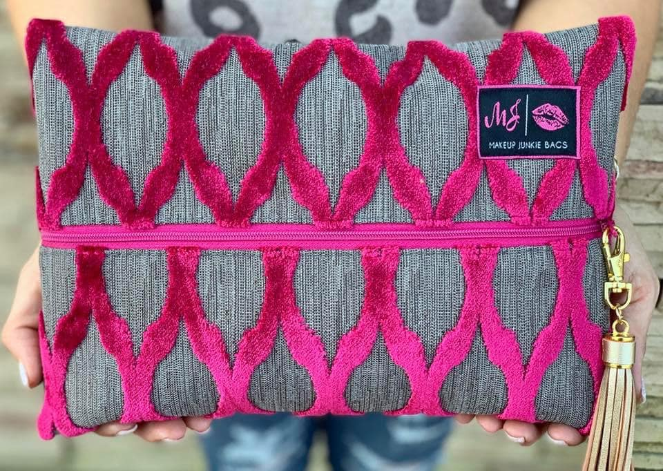 DUCHESS PINK MEDIUM MAKE UP JUNKIE BAG