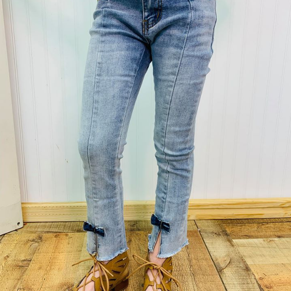 BAILEY BOWS ANKLE FLARE JEAN