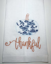 Load image into Gallery viewer, Thankful Linen Guest Towel