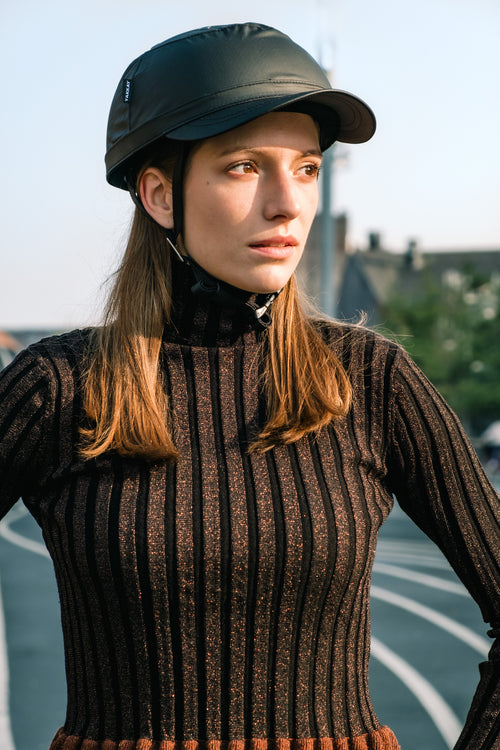 YAKKAY Paris Black Oilskin cap cover for Smart Two bike helmet.