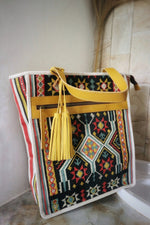Load image into Gallery viewer, Felistianova - BESSY Tenun Ayutopas NTT laba-laba Leather Totebag
