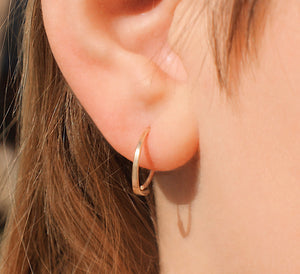 Sleeper earrings in gold
