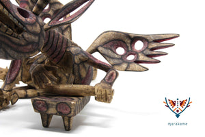 Alebrije - Dragon with metate and shoes - Huichol art - Marakame