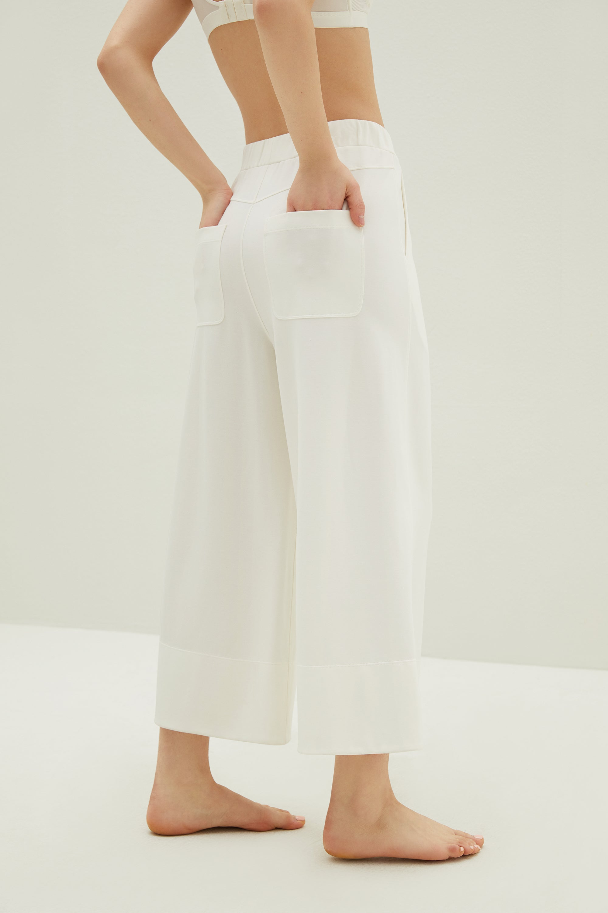Boundless Knitted Wide Leg Capris Pants