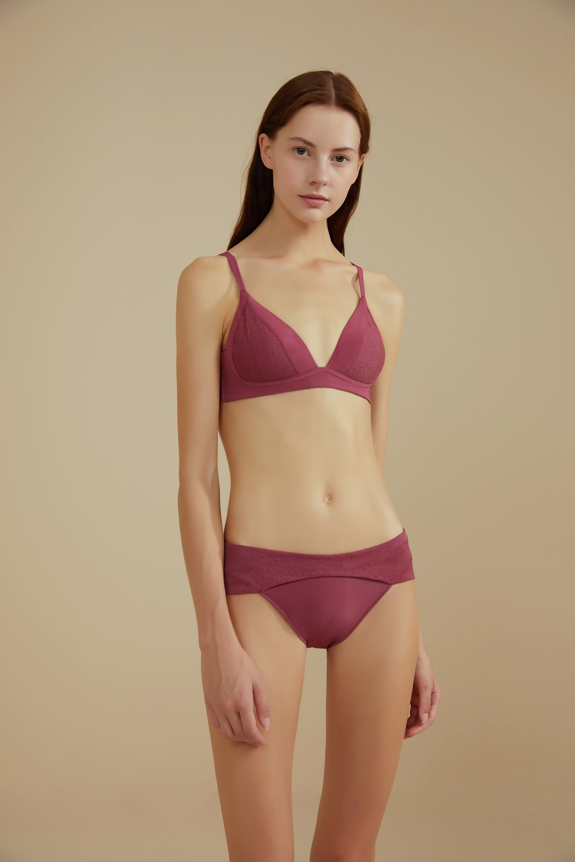 NEIWAI Leavers Lace Triangle Bra in Amaranth
