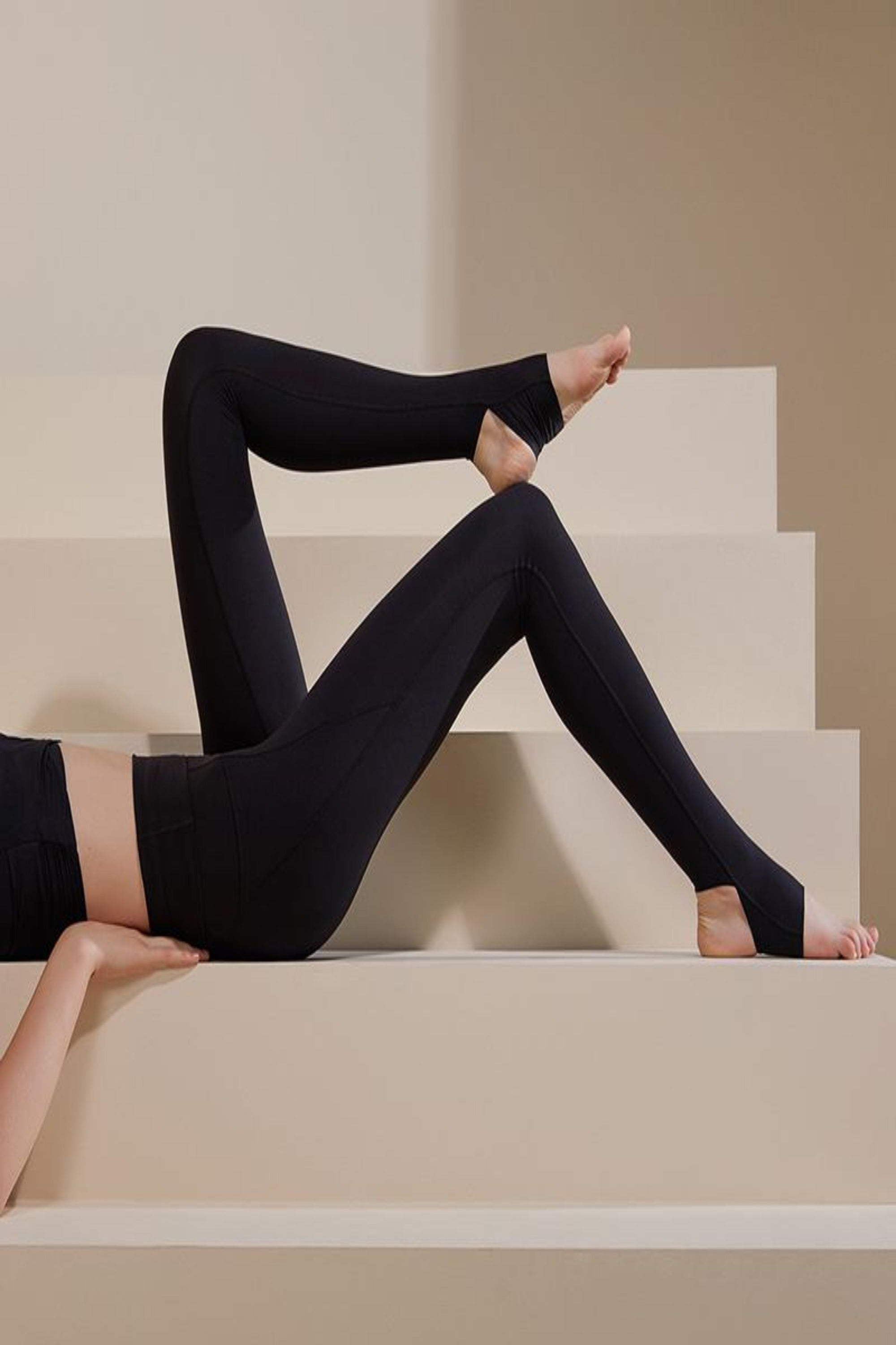 NEIWAI ACTIVE x Yuan Yuan Tan 2-in-1 Ultra Soft Stirrup Leggings