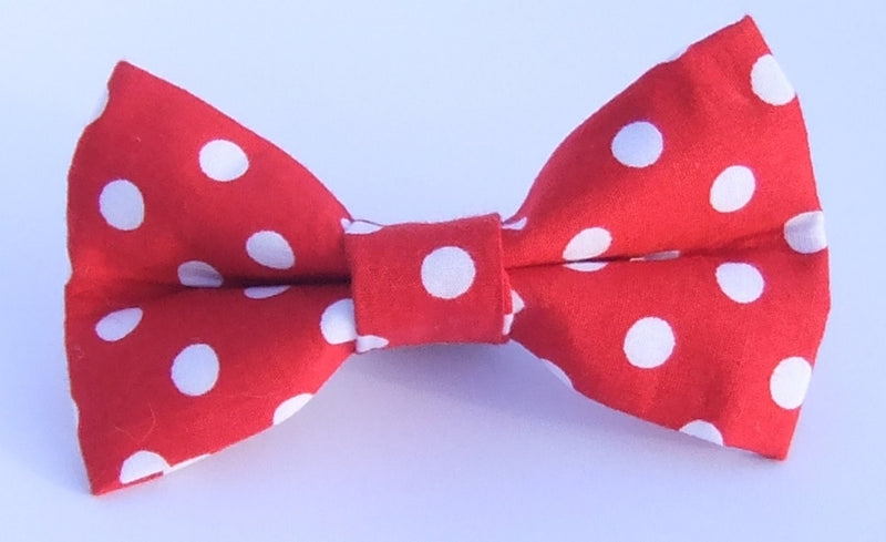 Bold Red and White Spot Bow Tie