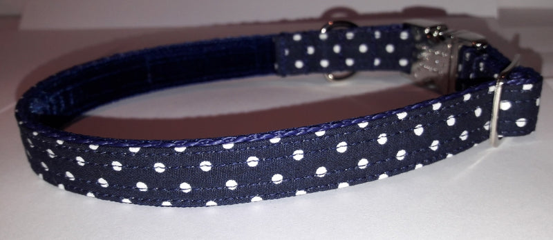 Classic Navy and White Spot Collar