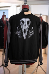 Raven Skull Collegejacke Straight Fit