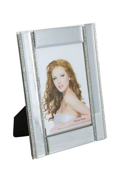 8.5X6.5 FRAME FOR 4X6 PHOTO, 4 CRSYTAL LINES
