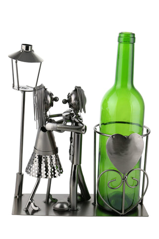 WINE BOTTLE HOLDER, LOVERS BY LIGHT POST