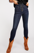 Load image into Gallery viewer, CURVY LOVERS LACE UP JEANS