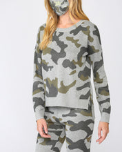Load image into Gallery viewer, CAMO CREW NECK SWEATER