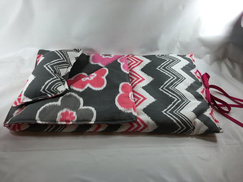 "18"" Doll Sleeping Bag - Gray/Pink/White Chevron Prints"