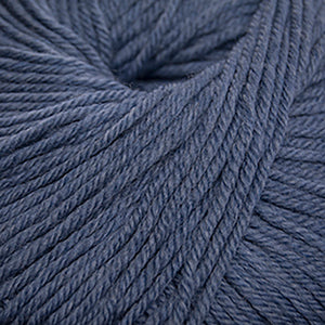 Skein of Cascade 220 Superwash Worsted weight yarn in the color Westpoint Blue Heather (Blue) for knitting and crocheting.