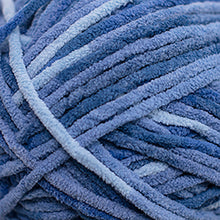 Load image into Gallery viewer, Skein of Cascade Pluff Bulky weight yarn in the color Dark Blue (Blue) for knitting and crocheting.