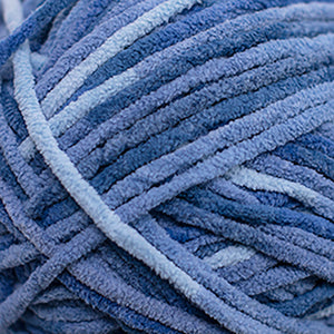 Skein of Cascade Pluff Bulky weight yarn in the color Dark Blue (Blue) for knitting and crocheting.