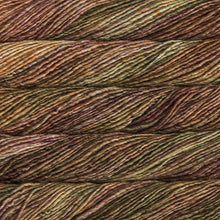 Load image into Gallery viewer, Skein of Malabrigo Mecha Bulky weight yarn in the color Tabacos (Brown) for knitting and crocheting.
