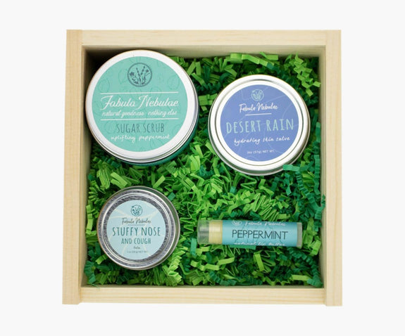 Small pine gift box for winter skin care