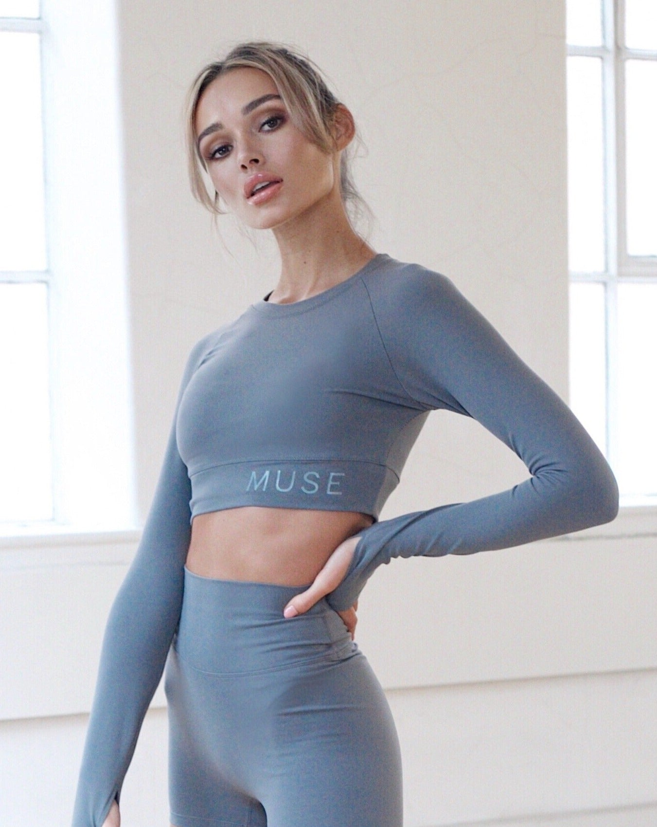 CORE LONG SLEEVE CROP