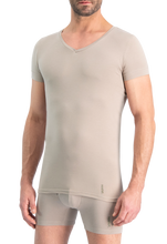 Afbeelding in Gallery-weergave laden, NOSHIRT nature - regular V - invisible khaki