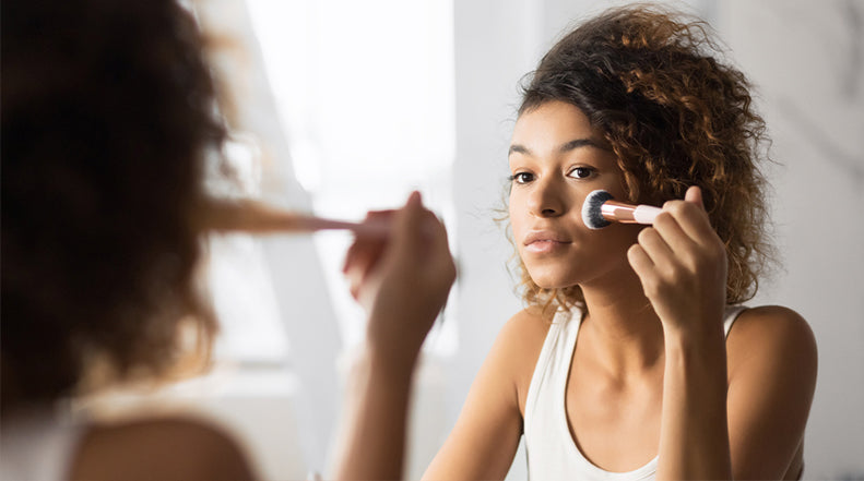 How Makeup Affects the Scar Healing Process and How to Reduce Scar Noticeability