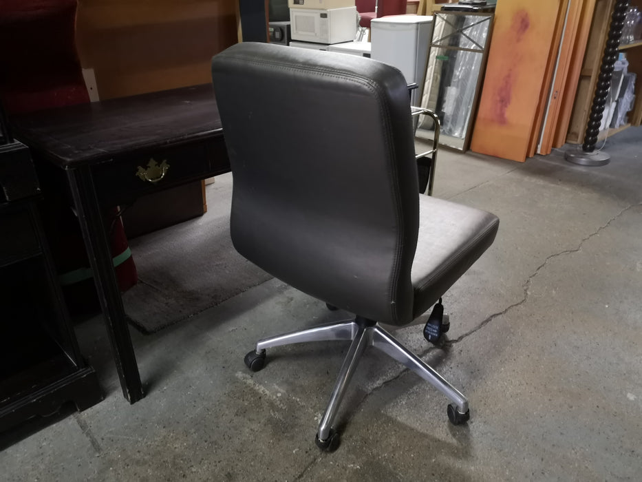 Armless Office Chair WEG