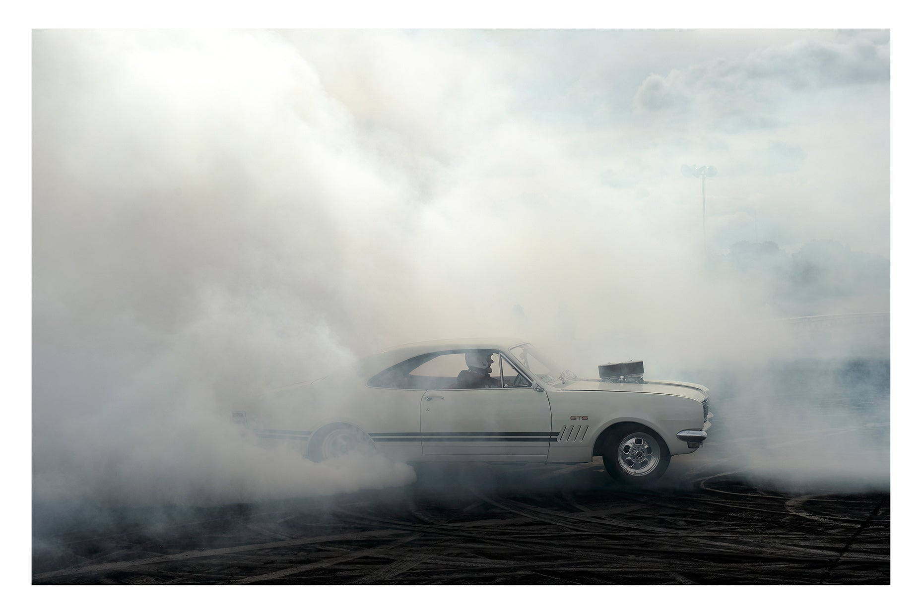 SMOKING MONARO