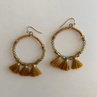 Primary Photo - BRAND:    CLOTHES MENTOR STYLE: EARRINGS COLOR: MULTI SKU: 298-29865-179