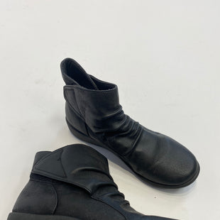 Primary Photo - BRAND: CLARKS STYLE: BOOTS ANKLE COLOR: BLACK SIZE: 6 SKU: 298-29814-56828