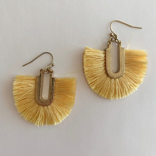 Primary Photo - BRAND:    CLOTHES MENTOR STYLE: EARRINGS COLOR: MULTI SKU: 298-29865-204