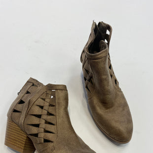 Primary Photo - BRAND: QUPID STYLE: BOOTS ANKLE COLOR: BROWN SIZE: 5.5 SKU: 298-29854-685