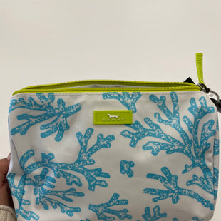 Primary Photo - BRAND:    CLOTHES MENTOR STYLE: MAKEUP BAG COLOR: WHITE BLUE OTHER INFO: SCOUT - SKU: 298-29813-34890