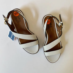 Primary Photo - BRAND: NATURALIZER STYLE: SANDALS LOW COLOR: WHITE SIZE: 5.5 SKU: 298-29850-3371