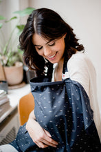 Afbeelding in Gallery-weergave laden, Baby on the Move - Nursing Cover (Deep Blue)
