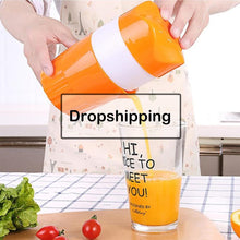 Load image into Gallery viewer, Outdoor portable juicer portable manual fruit juicer 300ML orange juice cup