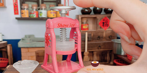 miniature real working ice shaver