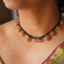 Load image into Gallery viewer, Kamakshi Black Thread Choker