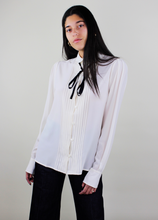 Load image into Gallery viewer, Contrast Tie Detail Shirt