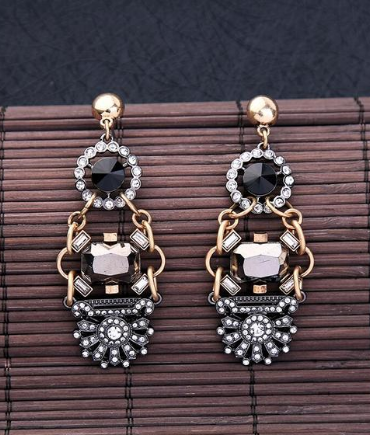 <b>EARRINGS</b>