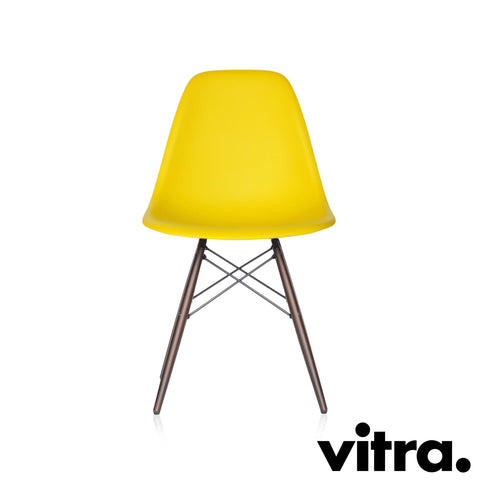 Vitra – Eames Plastic Side Chair DSW, Ahorn dunkel