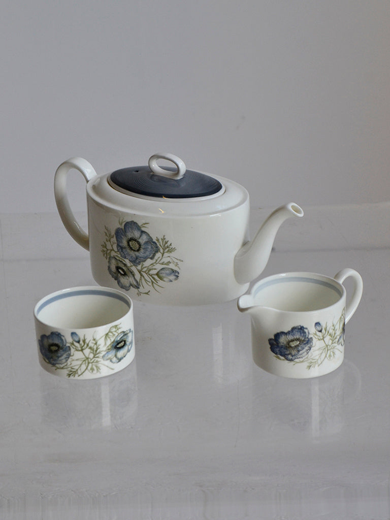 Susie Cooper for Wedgwood 'Glen Mist' design three-piece tea set