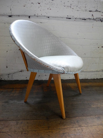 Mid Century Oval Chair Blonde Legs