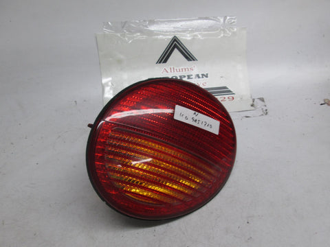 98-05 Volkswagen Beetle right tail light VW 1C0945172D