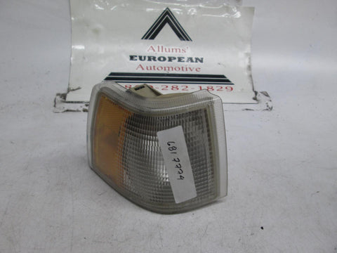 Volvo 850 right front turn signal 6817774