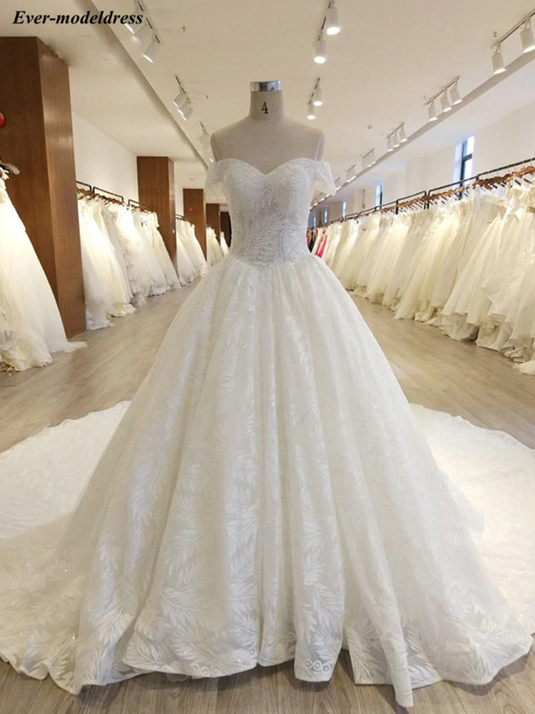 Luxury Sparkly Lace Wedding Dress 2020 Off Shoulder Lace-up Back Pearls Chapel Train Bride Dresses Wedding Gown Vestido De Noiva