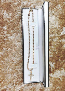cross-necklace-with-complementary-box