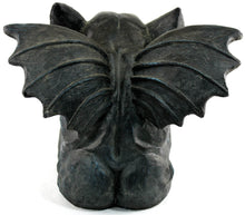 Lade das Bild in den Galerie-Viewer, large concrete gargoyle statues