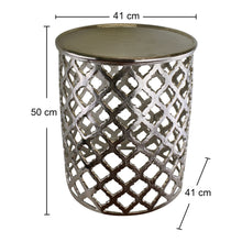 Cargar imagen en el visor de la galería, Decorative silver metal side table, lattice design