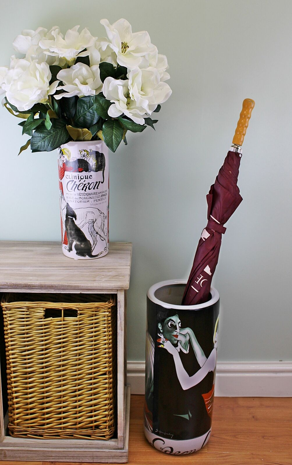 Umbrella stand, odeon casino design with free vase